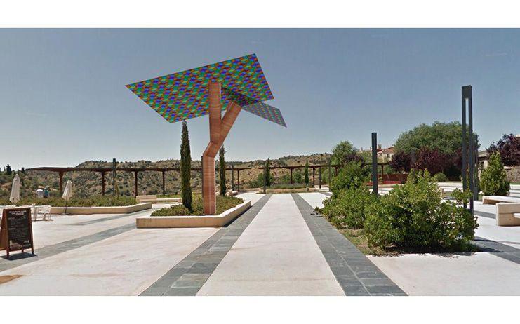 Claudia Alonso presenta el proyecto de árboles solares con conexión wifi y recargas de dispositivos móviles