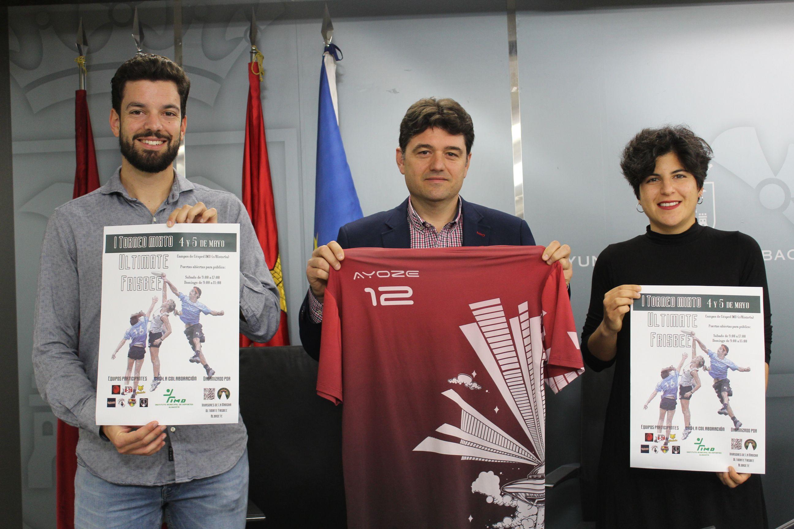 """Navarro presenta el Torneo Nacional de Ultimate Frisbee """"Noniná: Invaders Edition"""" que se disputará en Albacete el 4 y 5 de mayo"""