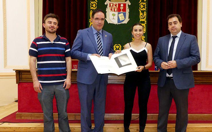 """La joven valerosa Adriana Alonso recibe con """"mucha ilusión"""" el galardón de Conquense Excelente 2019"""