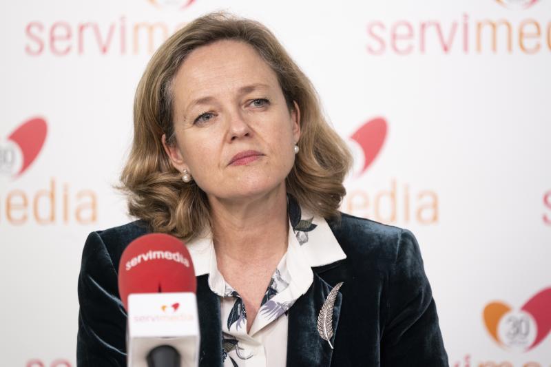 Moncloa luchará por que Calviño presida el FMI aunque avisa de que su candidatura aún está