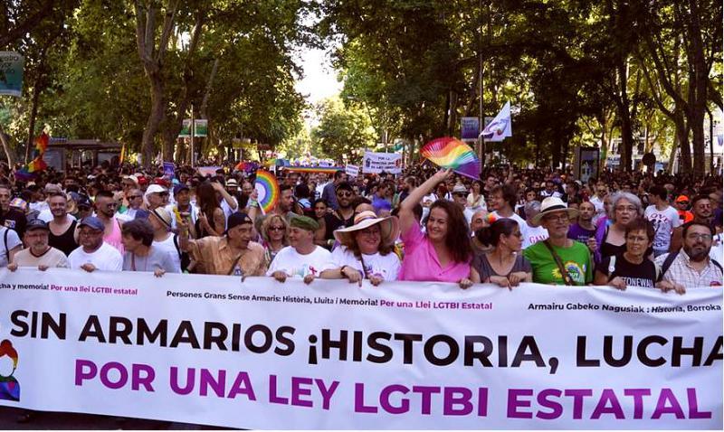 Los mayores encabezan el Orgullo LGTB más político de los últimos años