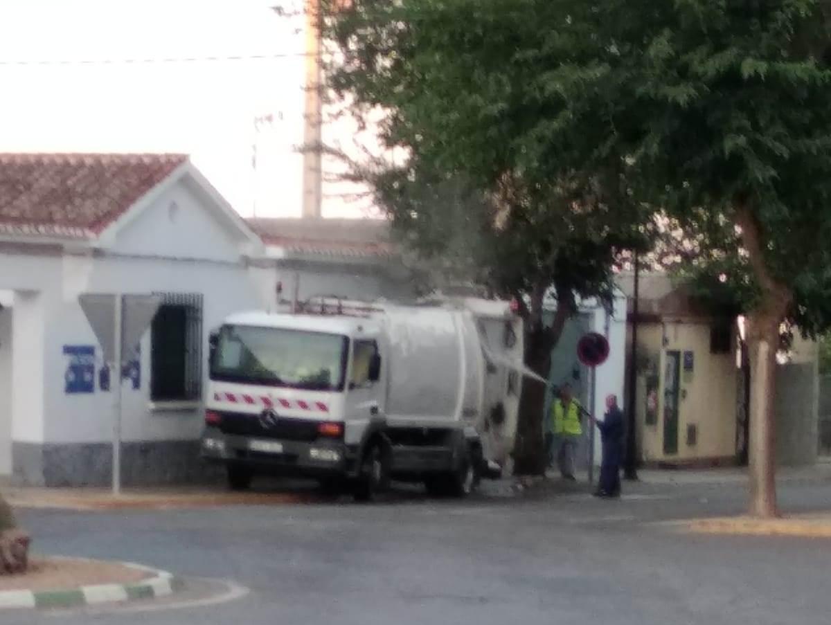El PP de El Bonillo solicita medidas urgentes para evitar la limpieza del camión de la basura en plena vía pública