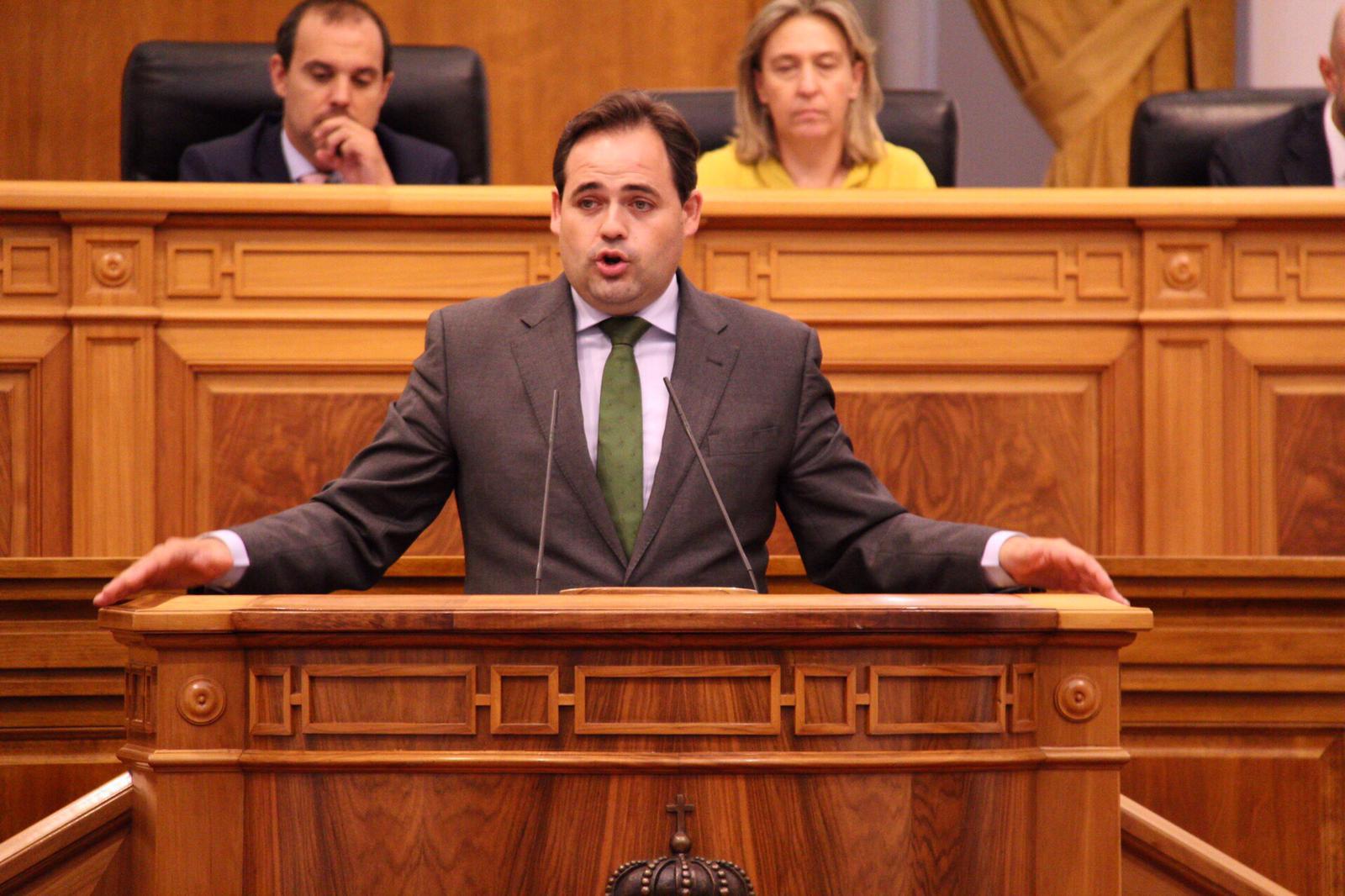 """Núñez destaca la """"brillantez"""" de Casado y justifica el no del PP en el debate de investidura porque Sánchez sigue situado """"en el lado equivocado"""" de la política"""