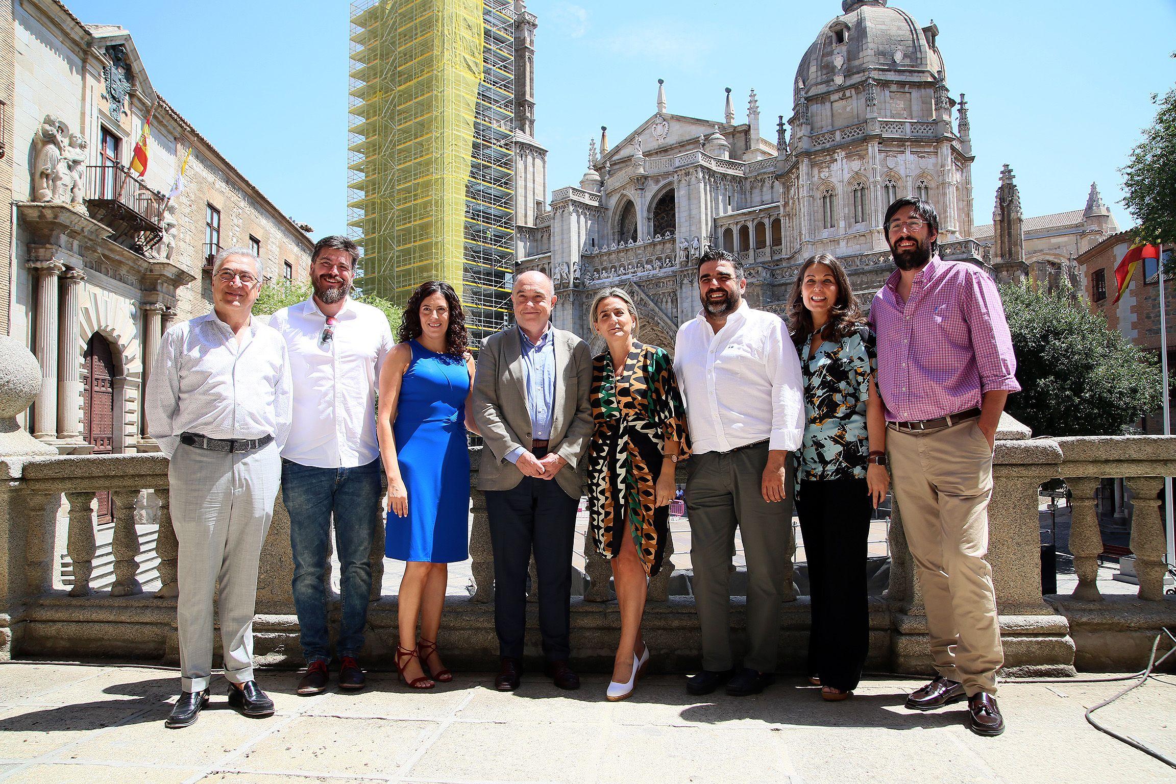 La alcaldesa recibe a la Asociación de Hostelería y Turismo para avanzar en nuevas iniciativas y afianzar el destino turístico 'Toledo'