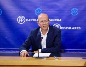 """Tortosa insta a Page a salir de su """"encierro"""" en el Palacio de Fuensalida para tomar medidas urgentes con las que rescatar a las empresas y a las familias de la región"""