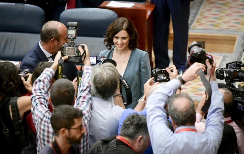 Isabel Díaz Ayuso, elegida presidenta de la Comunidad de Madrid con el apoyo de Vox y Ciudadanos