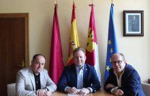 El alcalde de Albacete, Vicente Casañ, recibe al nuevo director de la UNED