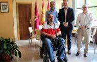 Casañ reafirma su compromiso con Aidiscam para hacer de Albacete una ciudad más inclusiva