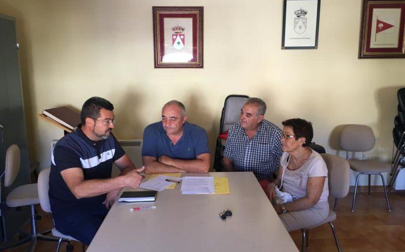 """Ubiedo anima a los pequeños municipios a """"iniciar proyectos que los dinamicen y a cuidar de sus infraestructuras"""""""