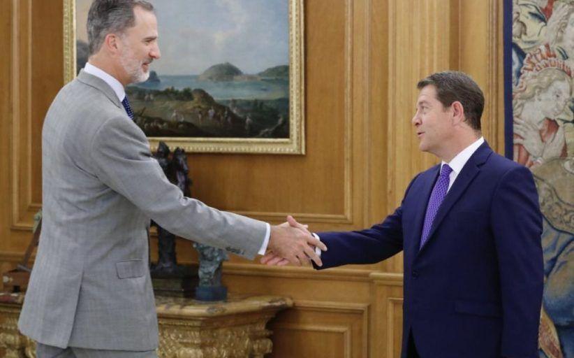 El presidente de Castilla-La Mancha informa al rey Felipe VI de la situación y evolución del paso de la DANA por la región
