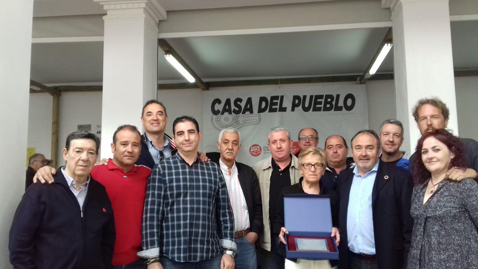 UGT homenajea a Purificación González por su destacada trayectoria sindical durante más de 40 años