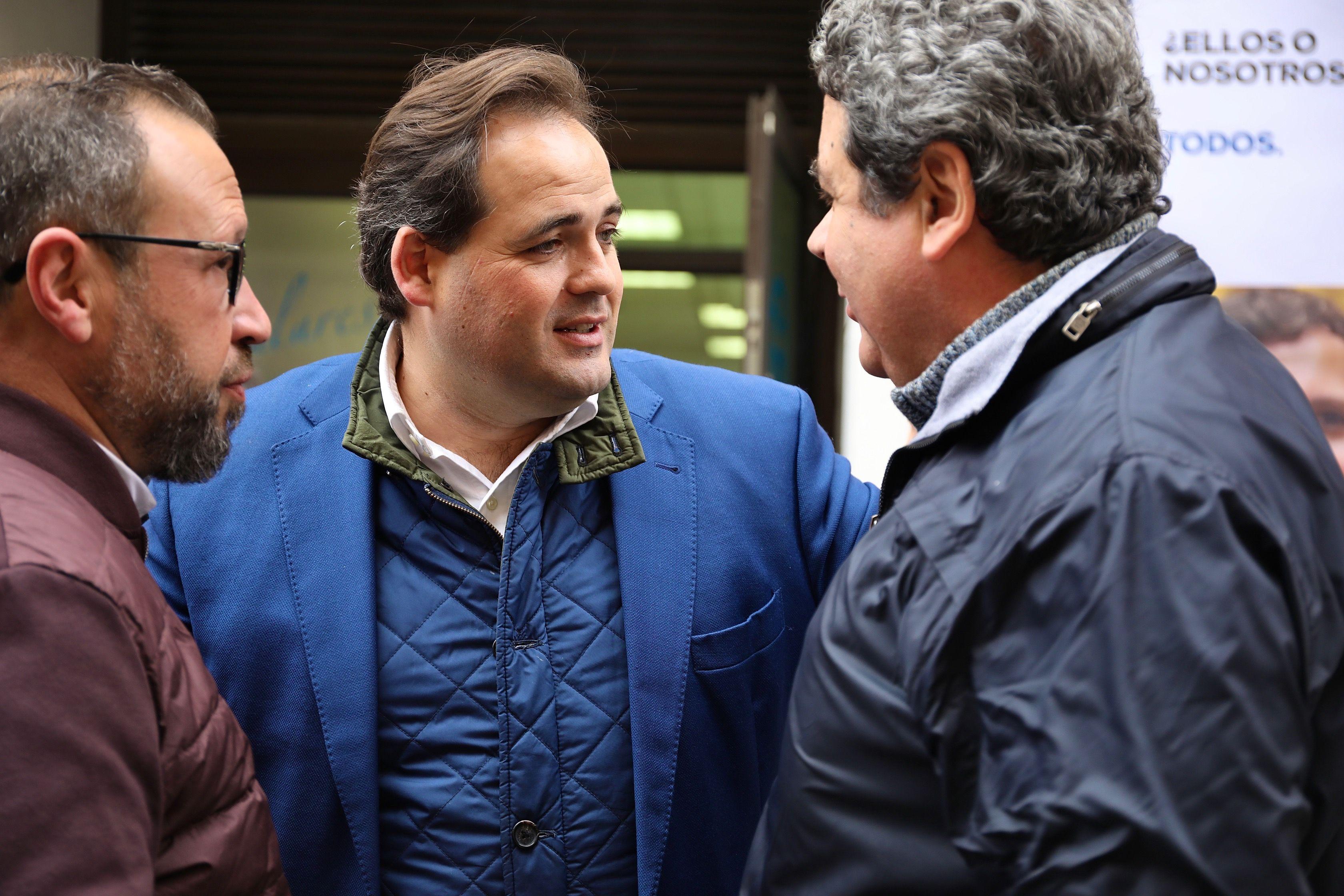Núñez pide a Pedro Sánchez que aclare si pactará con independentistas y Bildu y a Page si le parecen bien estos pactos para el Gobierno de España