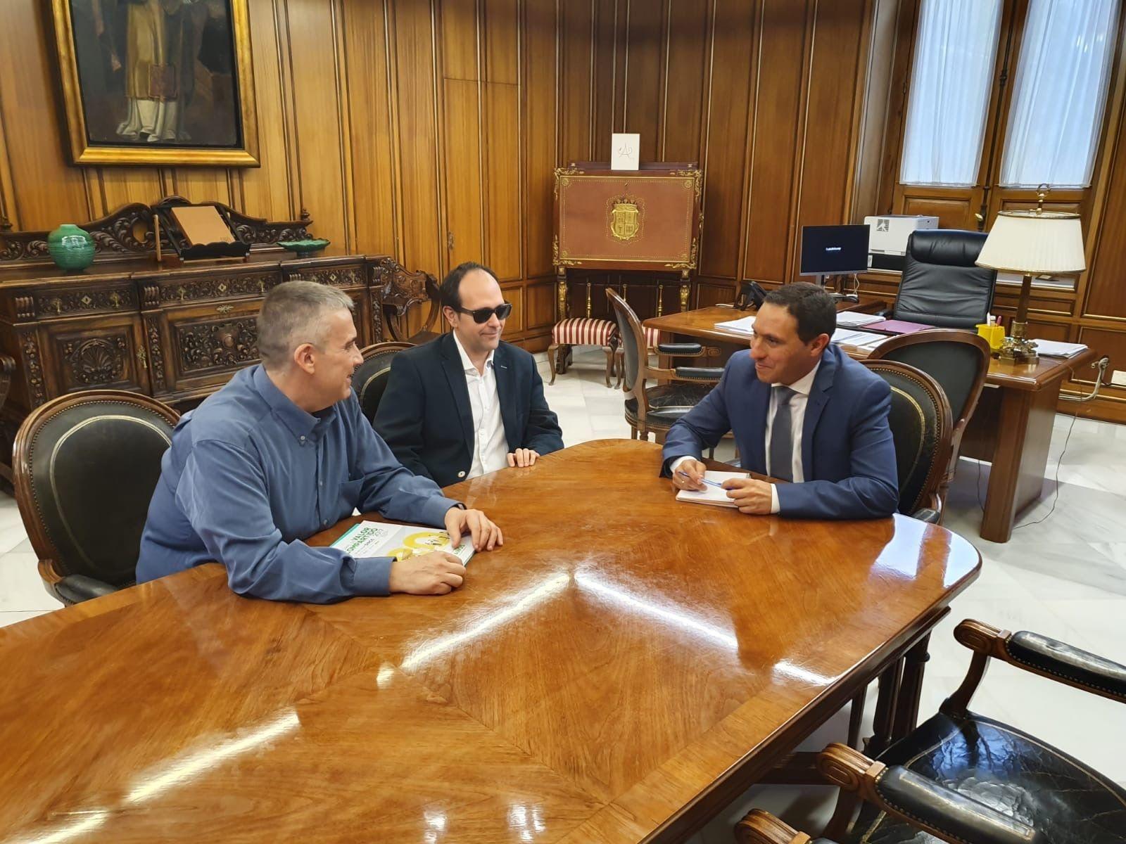 La Diputación de Cuenca y la ONCE colaborarán para mejorar la calidad de vida de las personas con discapacidad
