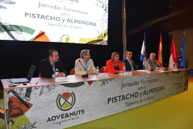 La alcaldesa de Talavera apuesta por cultivos emergentes y de futuro como el pistacho y la almendra para convertir en referente a la comarca