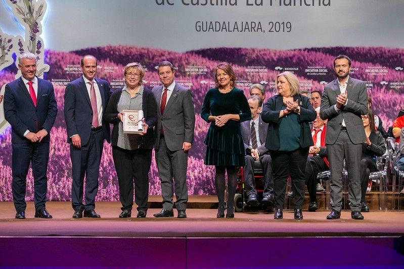 El presidente de Castilla-La Mancha celebra el cumplimiento de sus compromisos sobre plazas residenciales, teleasistencia y ayuda a domicilio