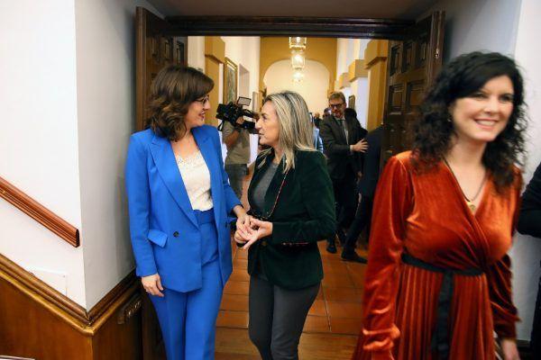 """La alcaldesa de Toledo defiende la Constitución """"como garantía de la cohesión social y territorial de España"""""""