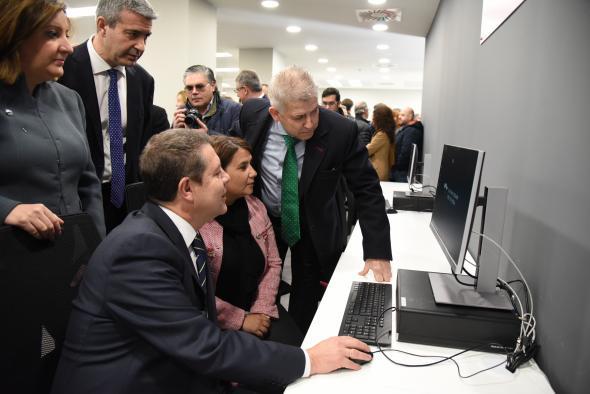 El Gobierno regional apuntala su apuesta por la Formación Profesional para el Empleo con la apertura del Centro de la Cerámica y el Vidrio en Talavera