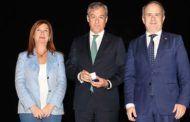 Eurocaja Rural recibe la medalla de oro del Centro Asociado de la UNED en Talavera de la Reina, en su 40 Aniversario