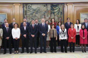 Los 22 ministros de Sánchez prometen el cargo ante el Rey