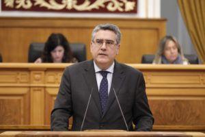 Rodríguez pide a Page que se quite la careta de defensor de Castilla-La Mancha porque solo defiende al PSOE