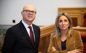 La alcaldesa de Toledo recibe en las Casas Consistoriales al embajador de Turquía
