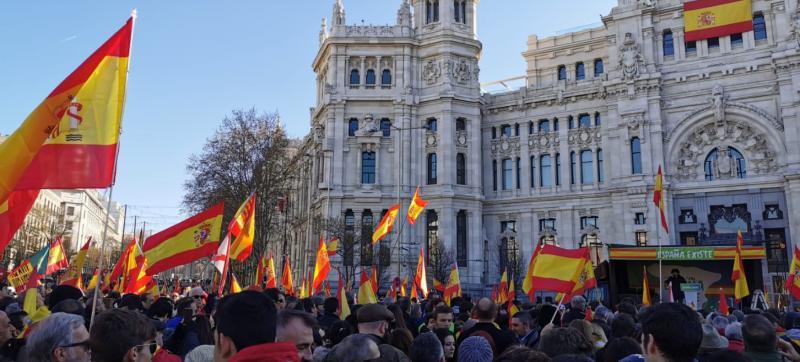 Concentraciones de Vox y la plataforma España Existe en distintas ciudades reclaman la unidad nacional y la detención de Puigdemont y Torra