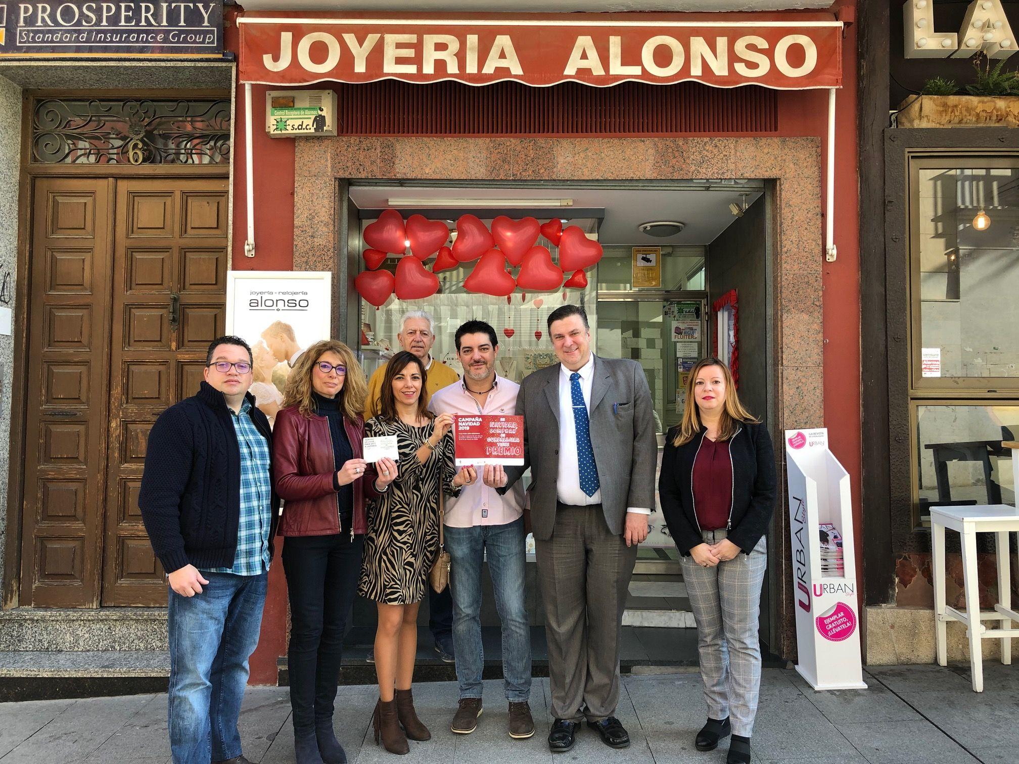 Un comprador de Joyería Alonso es el ganador del viaje a Laponia de la campaña de Navidad del Ayuntamiento, CEOE, FCG y FEDECO