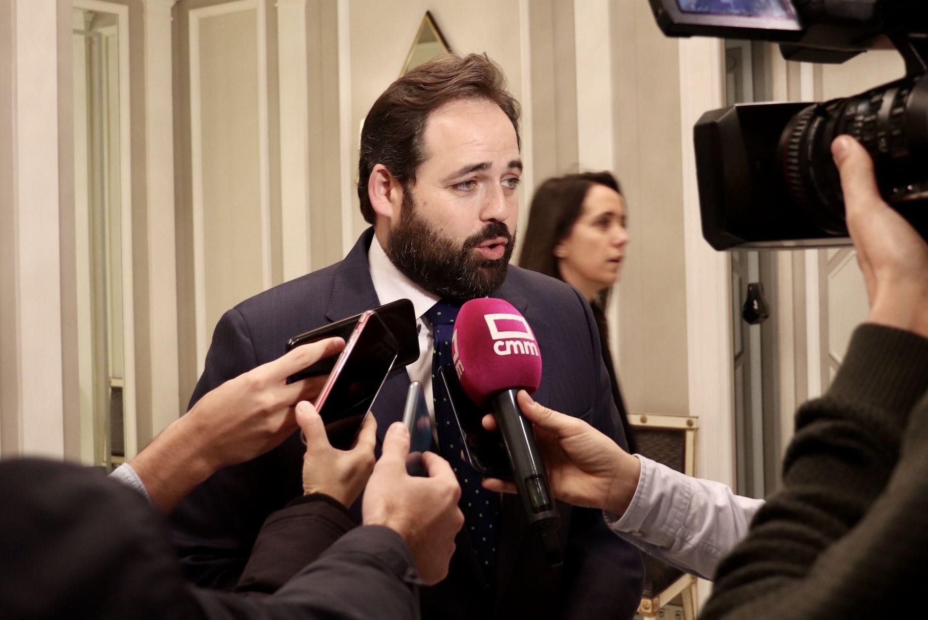 """Núñez señala que Castilla-La Mancha debe """"beneficiarse especialmente"""" del reparto de fondos europeos para conceder ayudas a la contratación, autónomos, hosteleros o pymes"""