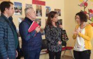 Olga Villanueva visita el centro asistencial de Atanzón para conocer su programa de atención a personas mayores