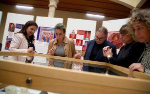 Tolón inaugura 'Memoria de mujeres' en la Facultad de Humanidades y destaca la contribución de la UCLM a la cultura local