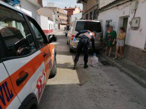 Bomberos de Talavera y Protección Civil participan en el reparto del recurso alimenticio adquirido por el Ayuntamiento