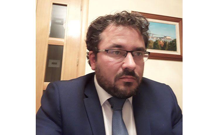 Artículo de opinión de Carlos Muñoz: Los aplausos olvidados
