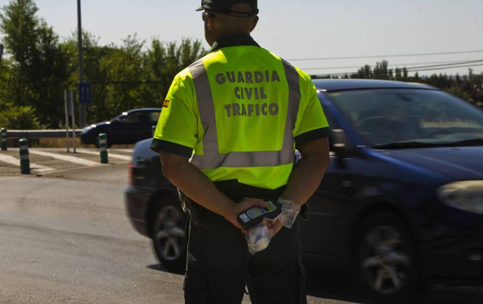 La Guardia Civil intercepta a 3.087 vehículos por incumplir el confinamiento y detiene a 26 personas