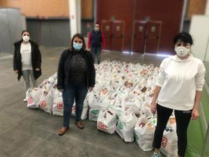 El Ayuntamiento de Talavera comienza el reparto de lotes de alimentos a familias a las que la crisis les ha venido sobrevenida y que no eran perceptoras de otros recursos