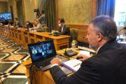 El Ayuntamiento aprueba crear una Mesa de Reconstrucción para implantar medidas que palien la crisis derivada de la Covid-19