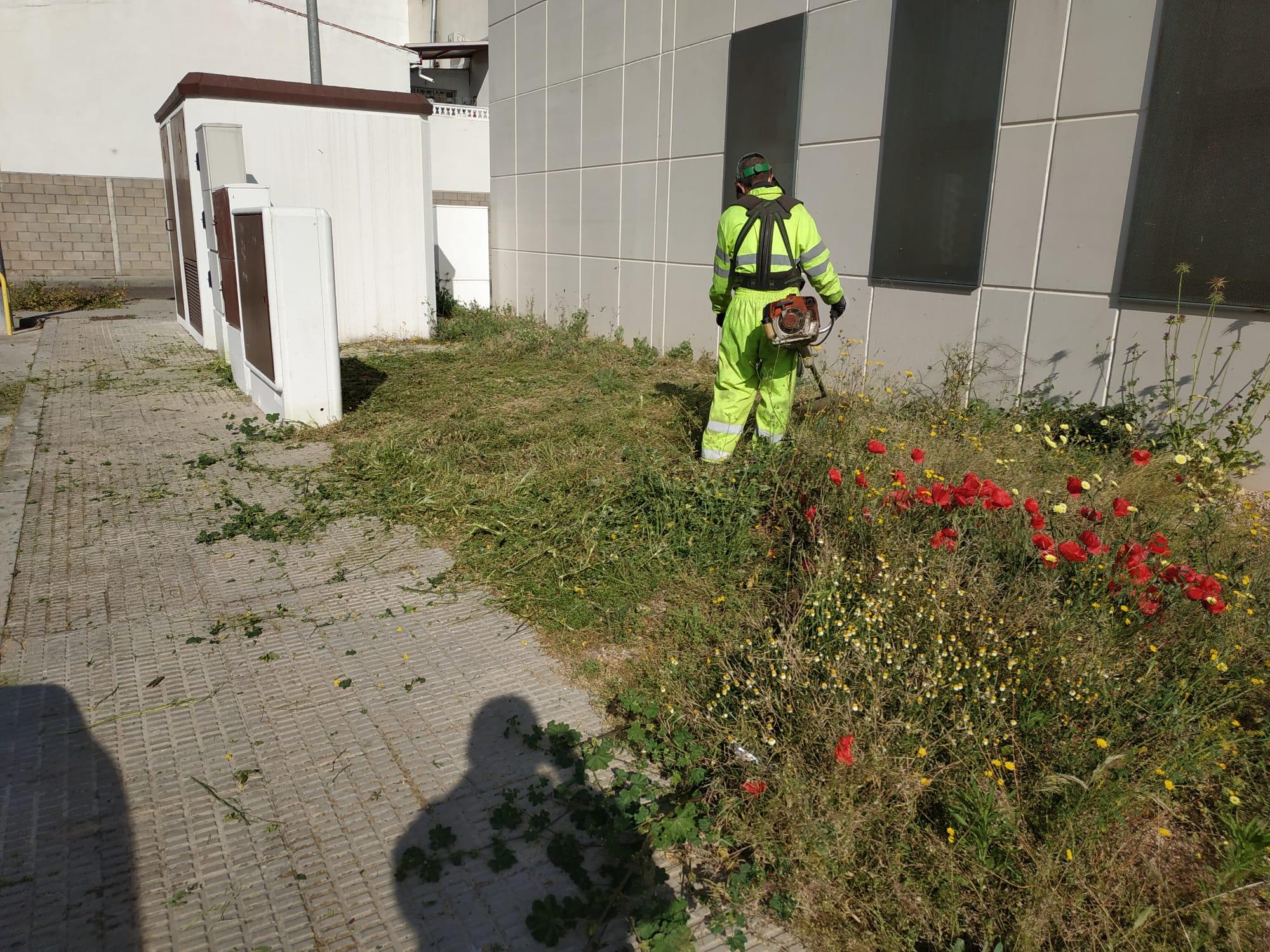 """El Ayuntamiento desarrolla una """"limpieza a fondo"""" por todos los barrios de Talavera en las fases iniciales del proceso de desescalada"""