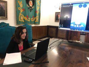 """La portavoz municipal de Talavera asegura que """"todas las mascarillas que se han repartido desde el Ayuntamiento están homologadas por Sanidad"""""""