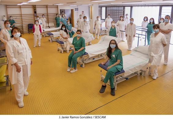 El servicio de Rehabilitación del Hospital de Guadalajara organiza equipos para la atención a pacientes que precisan fisioterapia respiratoria y motora