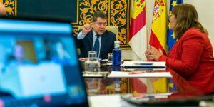 El Gobierno de Castilla-La Mancha aborda junto a Adif la puesta en marcha y la continuidad de infraestructuras estratégicas para la región