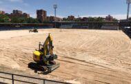 Se culmina una primera fase en el Municipal 'El Prado' con la retirada de la totalidad del césped del campo