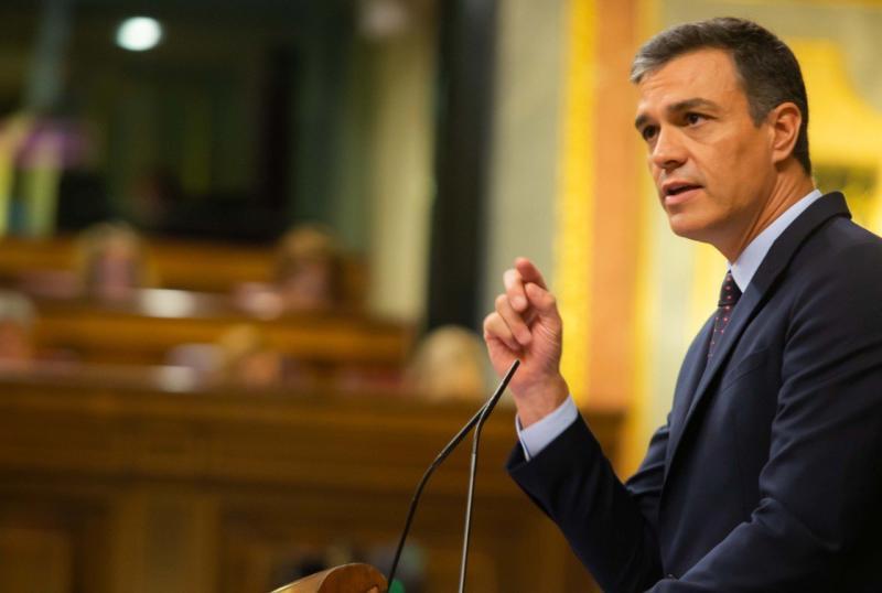 """Sánchez insta al nuevo presidente del Eurogrupo a """"trabajar codo con codo"""" tras lamentar la derrota de Calviño"""