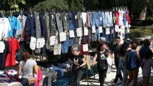 El Ayuntamiento reduce al 50 por ciento el espacio del mercadillo del 'martes' en La Vega conforme a la normativa autonómica