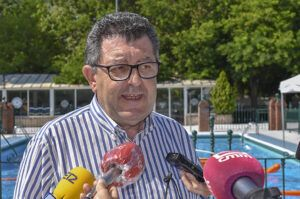 La piscina municipal de San Roque abrirá el próximo 1 de julio para todo el público con un aforo máximo del 75%