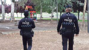 La Policía Local impone un total de 114 denuncias, 74 de ellas por mascarilla y una docena a establecimientos