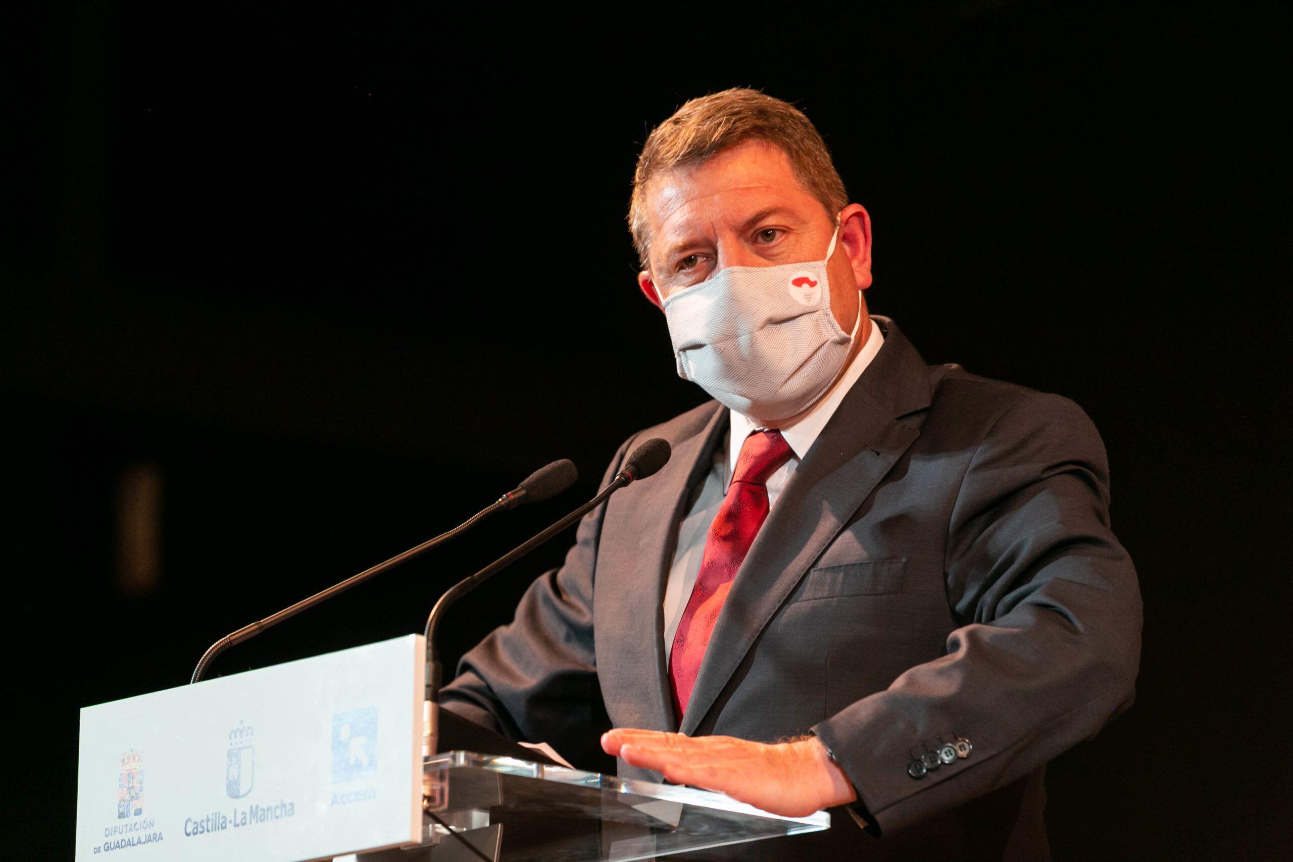 """García-Page avanza la aprobación de un nuevo paquete de ayudas dotado con tres millones de euros """"para fortalecer la contratación indefinida"""""""