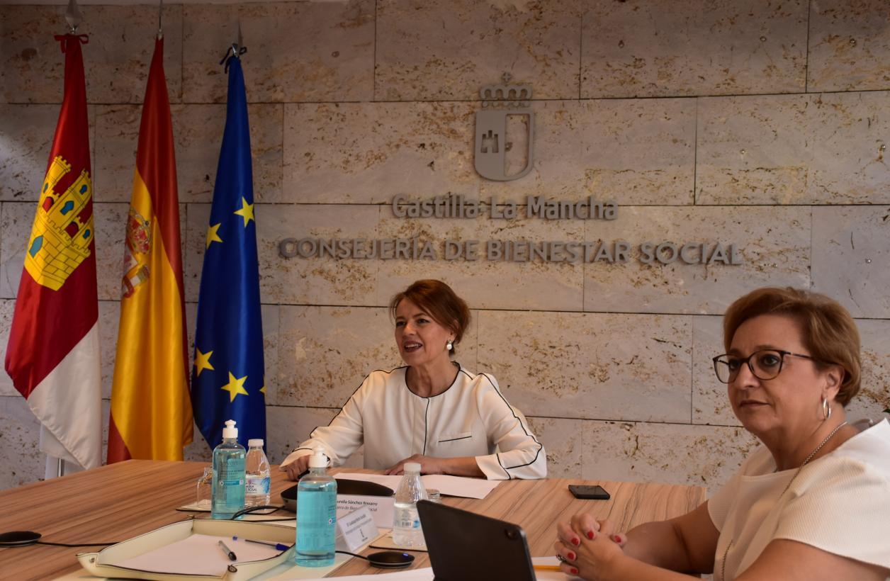 El Gobierno regional refuerza las acciones especializadas en atención a la infancia y la familia
