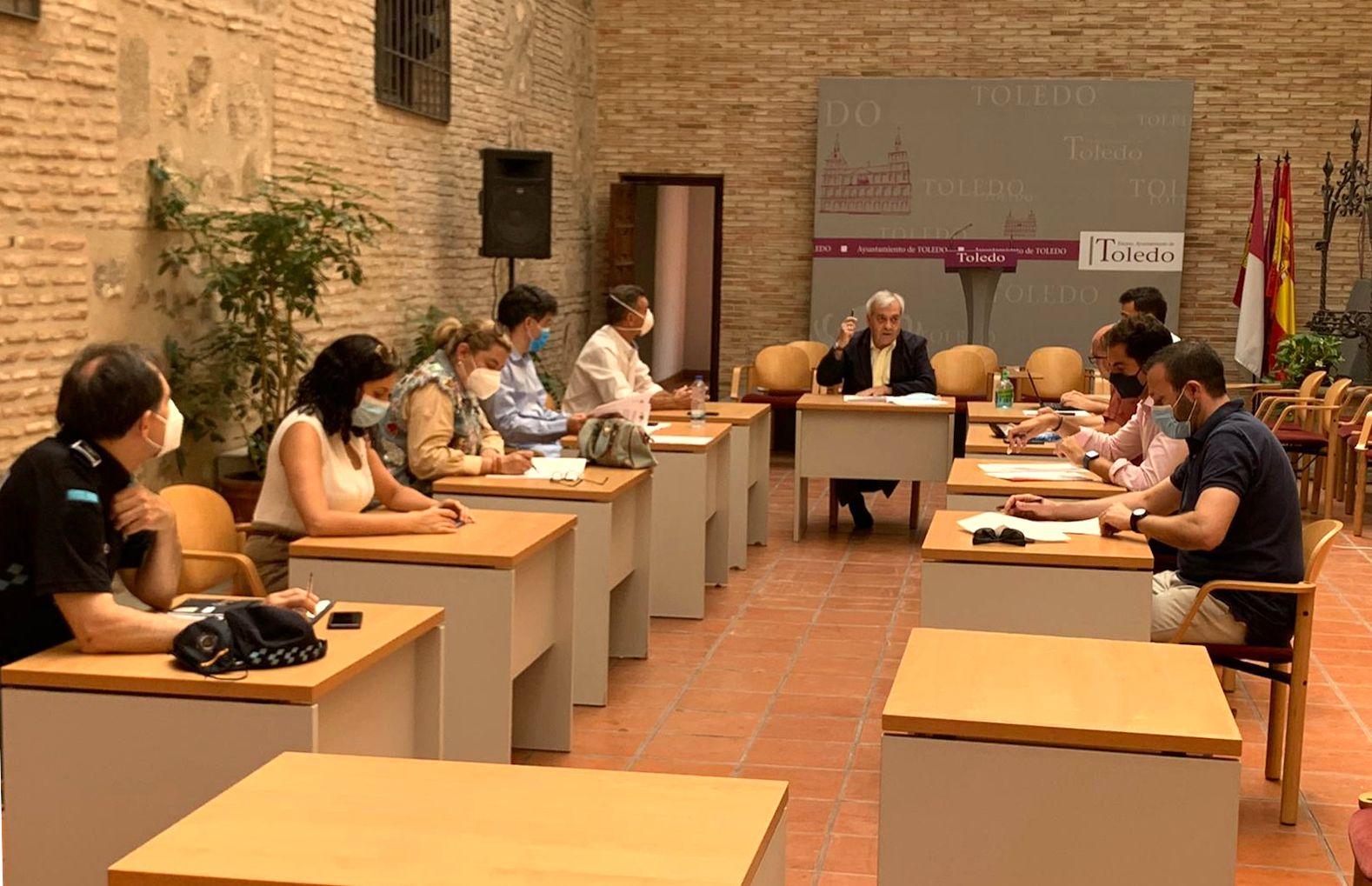 La Comisión de Movilidad aprueba por unanimidad la prohibición del botellón en toda la ciudad para evitar rebrotes