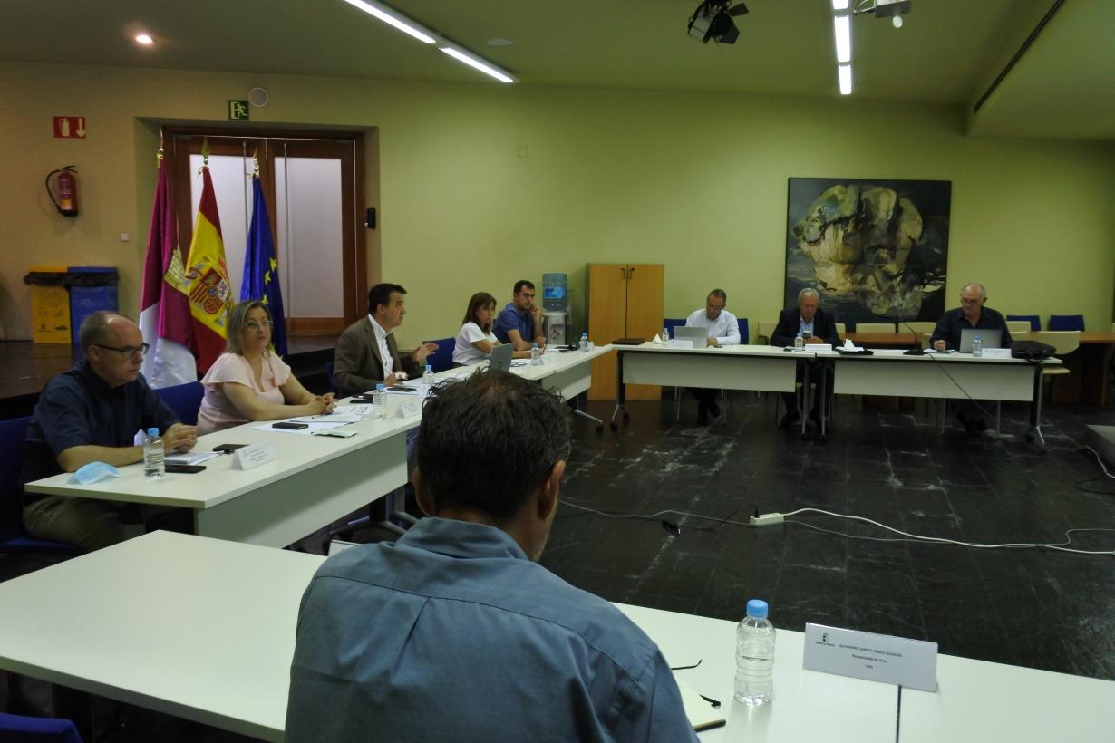 """Castilla-La Mancha da una """"vuelta de tuerca más"""" en la calidad del vino regulando la entrada de uva a bodega con 9 grados como mínimo esta campaña"""