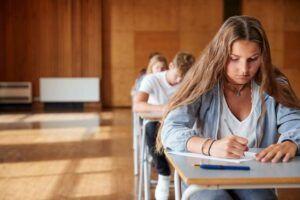 El Gobierno regional respalda el documento elaborado por el Ministerio para que la comunidad universitaria adecue el curso académico a la nueva realidad