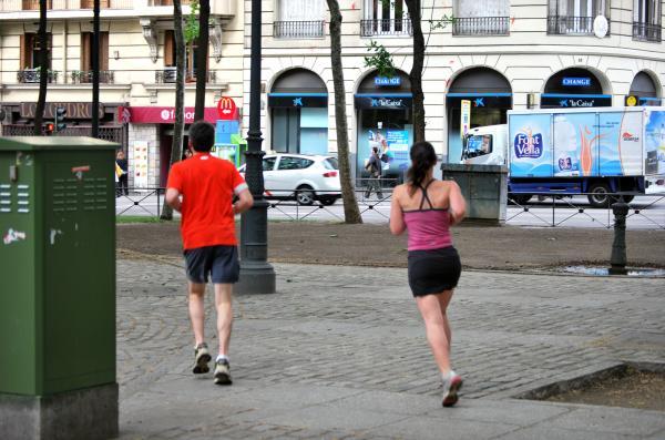 El 44% de los españoles aumentaron de peso durante el confinamiento